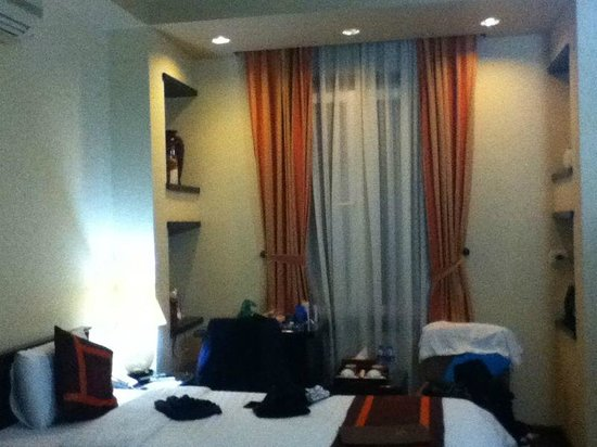 Golden Spring Hotel:                                     Clean and cosy