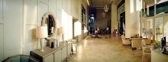 Oriental Residence Bangkok: Hotel Lobby & Entrance