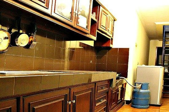De Orange Residence Guest House: Kitchen