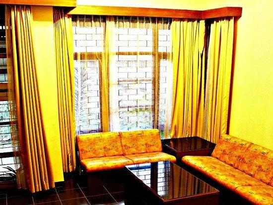 De Orange Residence Guest House: Living room