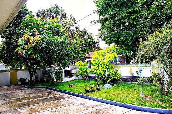 De Hoff Atria Guest House: Garden