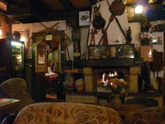 Auberge de la Feuille d'Erable : cheminée