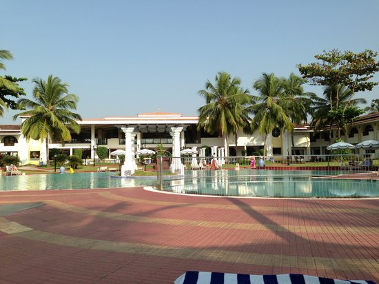 Holiday Inn Resort Goa:                   The coffee shop