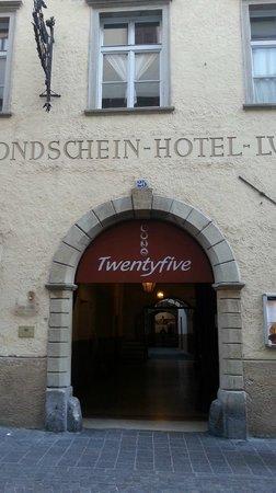 Parkhotel Luna Mondschein:                   l'ingresso