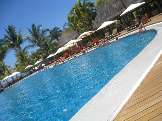 Sands Suites Resort & Spa:                   Infinity pool