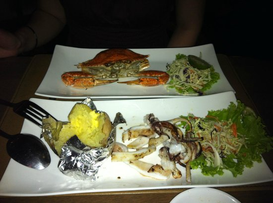 Sita Beach Resort & Spa: Fresh Crab! Fresh squid! Baked potato!