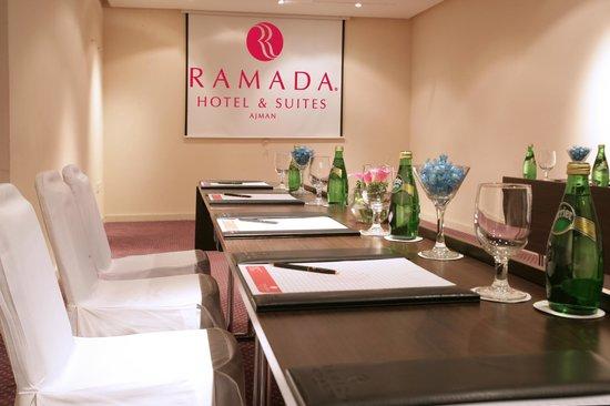 Ramada Hotel and Suites Ajman: Meeting Room