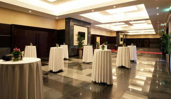 Ramada Hotel and Suites Ajman: Pre function