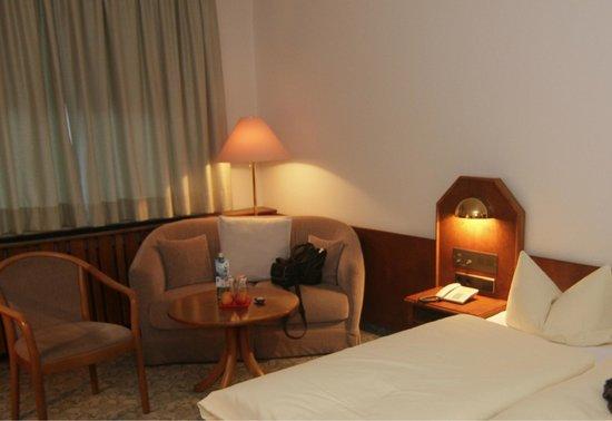 Landhotel Johanneshof:                   Hotelzimmer, Teilansicht