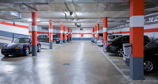Silken Puerta Valencia: Parking