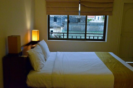 Jasmin Monument Hotel:                   Double room looking out to balcony area-