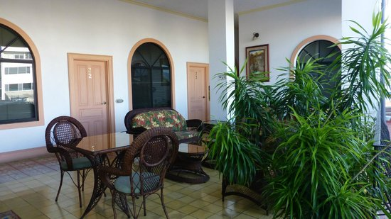Hotel Santo Tomas:                   terrace