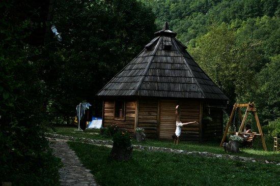 Camp Grab:                                     BUNGALOW