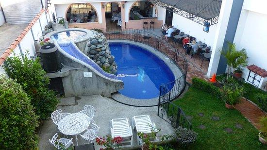 Hotel Santo Tomas:                   pool& breakfast area