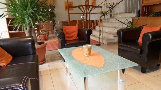 Hotel Goldenes M: Lobby