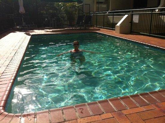 Saks On Hastings: Pool