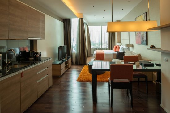 Pan Pacific Serviced Suites Bangkok: room