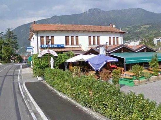 Birreria Pizzeria Blue Marlin Sale Marasino Restaurant