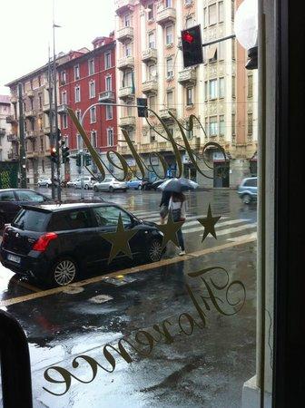 Hotel Florence: Front door