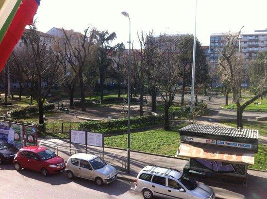 Hotel Florence: Piazza Aspromonte con il sole