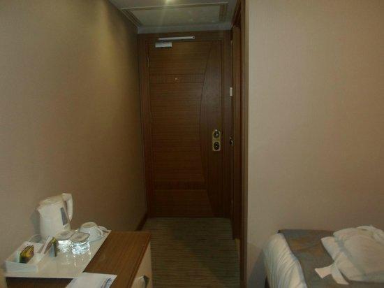 Yasmak Comfort Hotel:                   giris