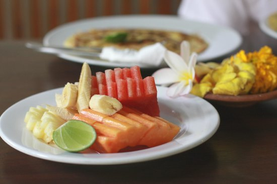 Sama's Cottages and Villas: breakfast
