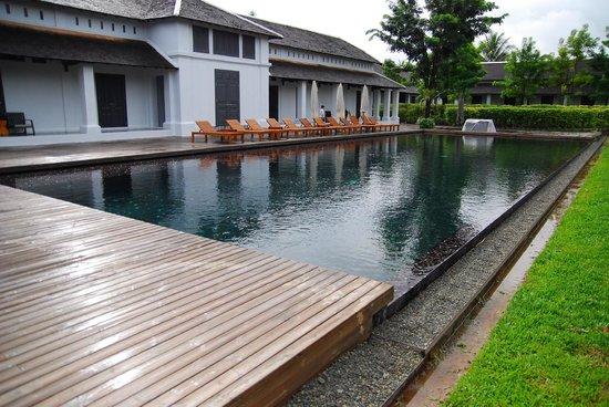 Sofitel Luang Prabang Hotel:                   プールの風景