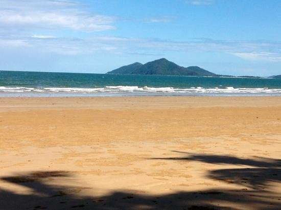 Castaways Resort & Spa Mission Beach:                   ten steps from resort