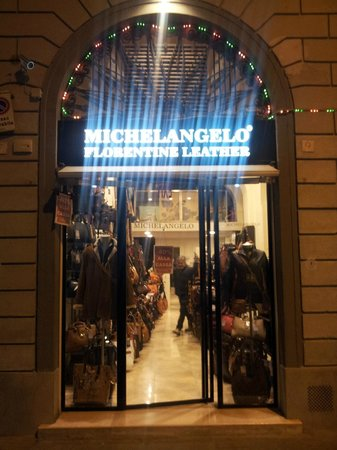 FlorenceTown: The best leather shop in florence