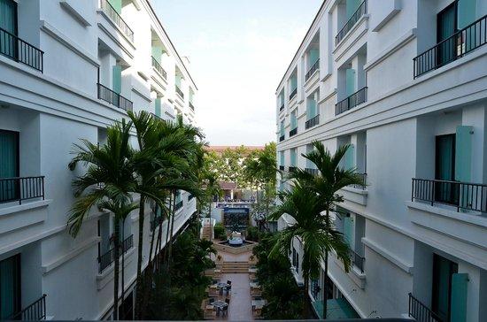 تارا أنكور هوتل:                   Courtyard view                 