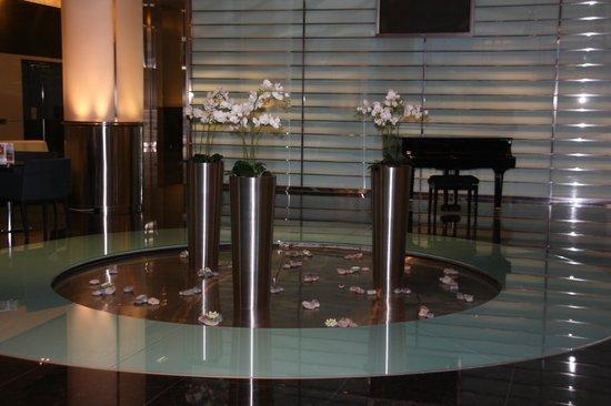Mirage Hotel:                   Холл