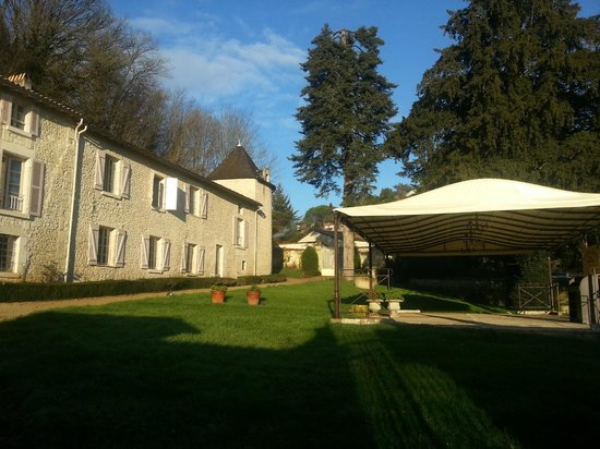 Le logis Saint Martin avec sa terrasse