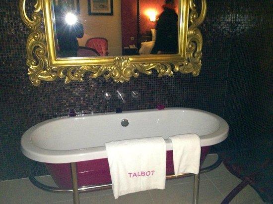 Talbot Hotel:                   Suite