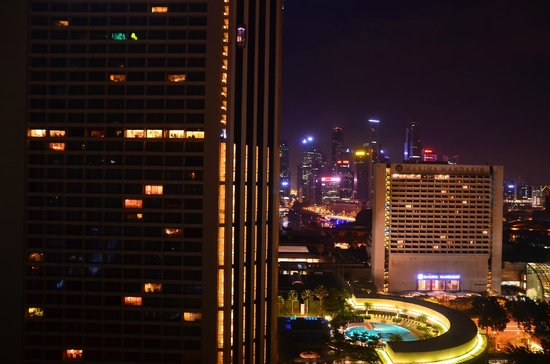 Conrad Centennial Singapore:                   マリーナベイ側