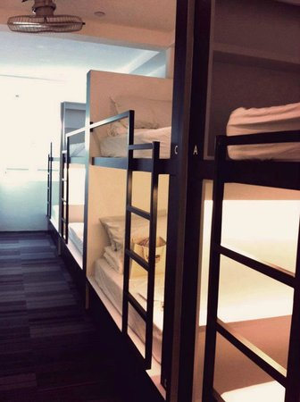 Bunc Hostel: 8 bedded dorm