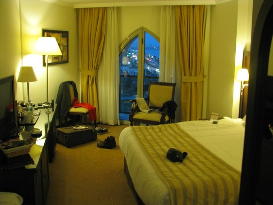 Crowne Plaza Hotel Antalya:                   room