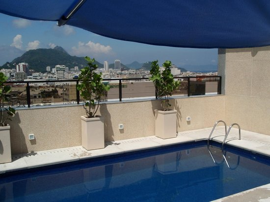 Majestic Rio Palace Hotel:                   Rooftop pool