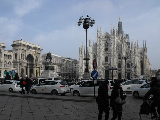 ADI Doria Grand Hotel: Duomo: about 40 minute walk
