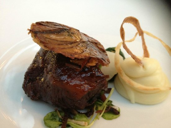 very slow cooked pork cheek, delicious                 (58342356)