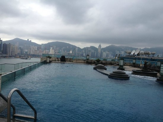 Harbour Grand Kowloon:                   Roof top pool