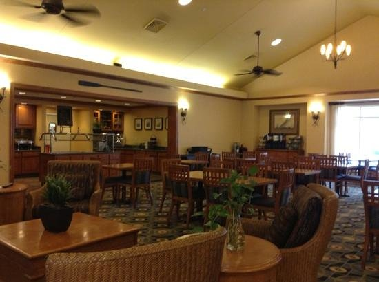 Homewood Suites by Hilton Portsmouth:                   breakfast area