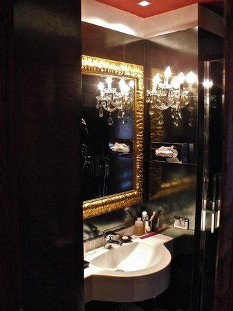 Boutique Hotel Campo de Fiori:                   Bath