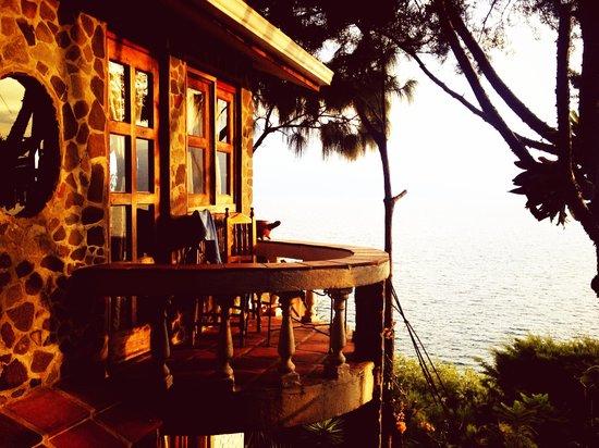 La Casa del Mundo Hotel: Room 12 balcony