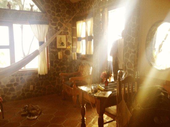 La Casa del Mundo Hotel: Room 12
