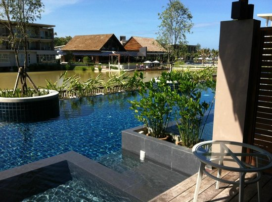 The Sands Khao Lak by Katathani: the private pool only accessed by those staying in the pool rooms