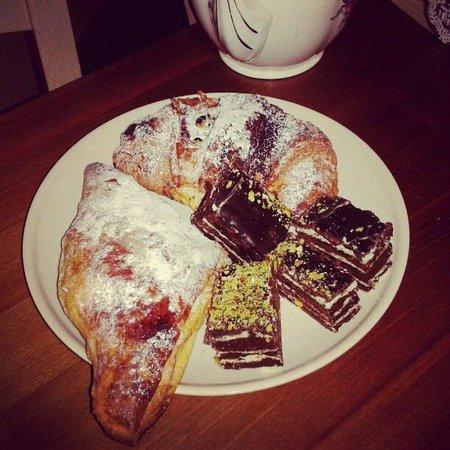 Il Polifemo Etna B&B:                   colazione da Cetty