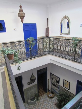 Riad Dar Tiflet: View for the first floor down