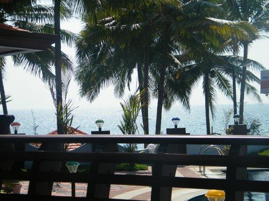 Samsara Harmony Beach Resort:                   Aussicht von der Terasse