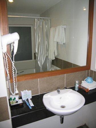 Andaman Phuket Hotel:                   ванная                 