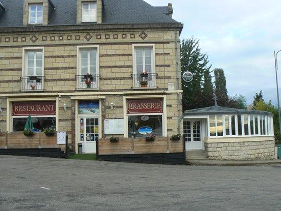 La Presqu'ile:                   façade du restaurant